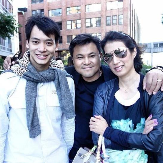 Bie, khun Boy and khun Prim (khun Boy's wife)