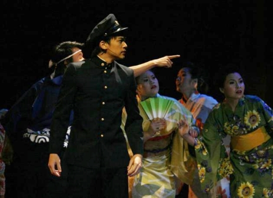 Nopporn in Khang Lang Parp, the Musical